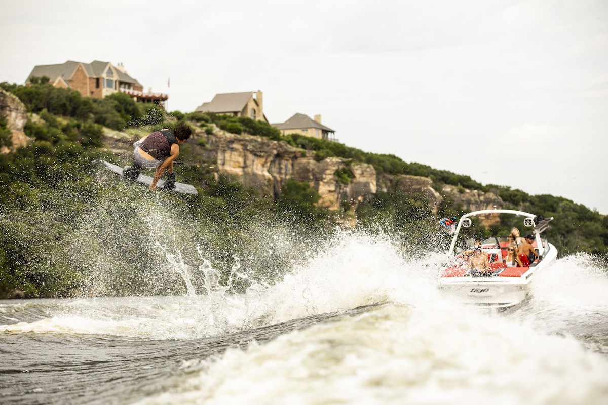 Tige Boat 22RZX can do the perfect wave