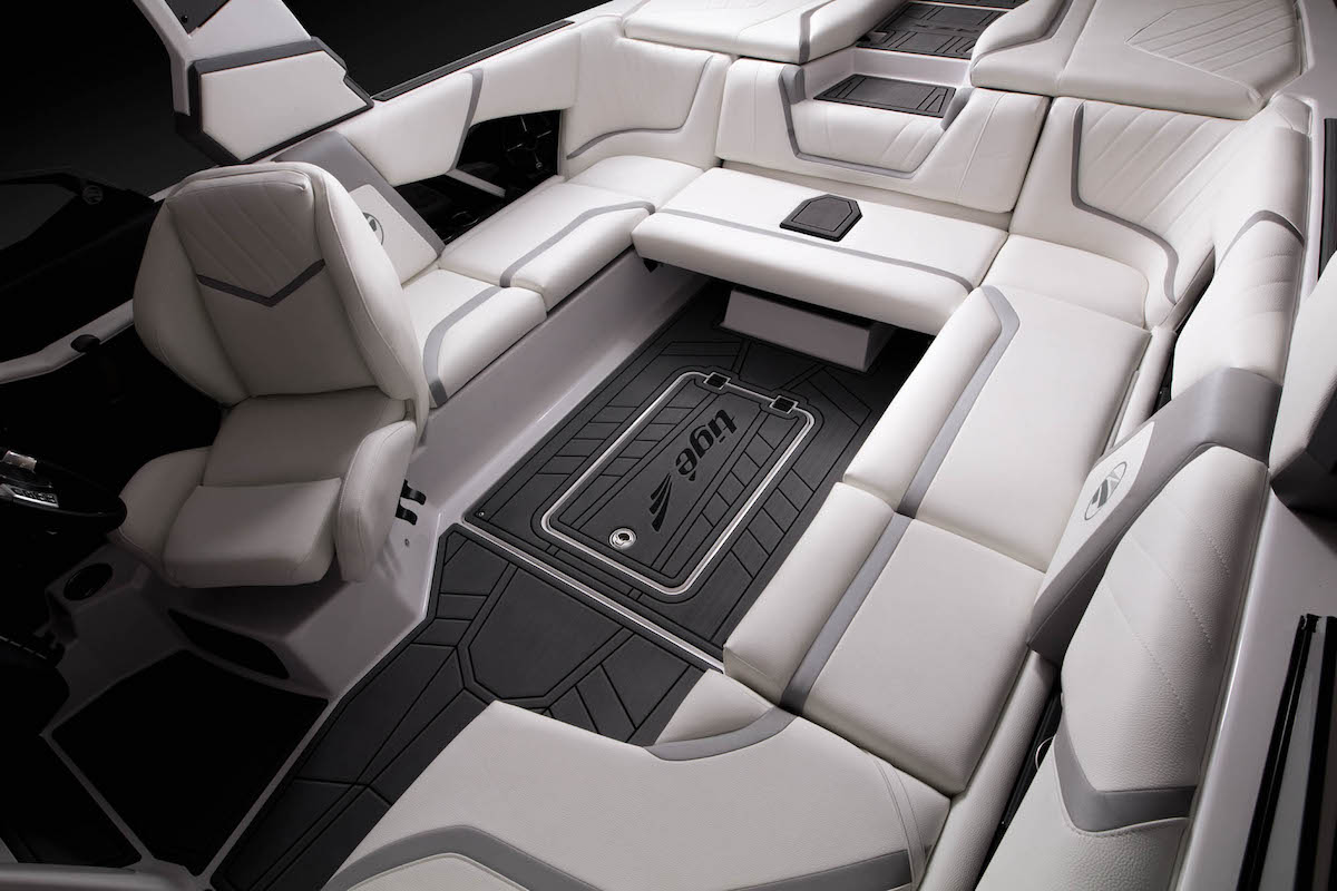 The Tige 22RZX has several of sitting room. It is perfect for groups of friends and families.