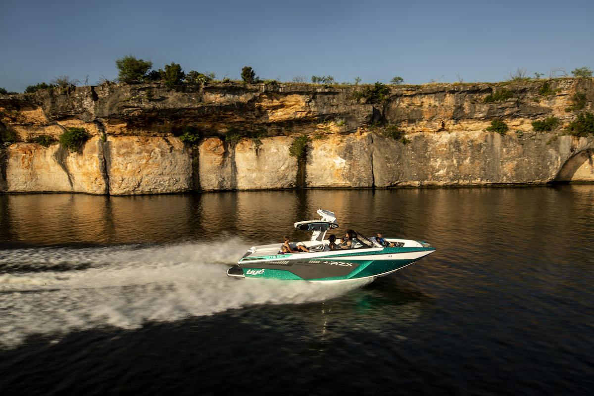 Tige Boat 22RZX running shot