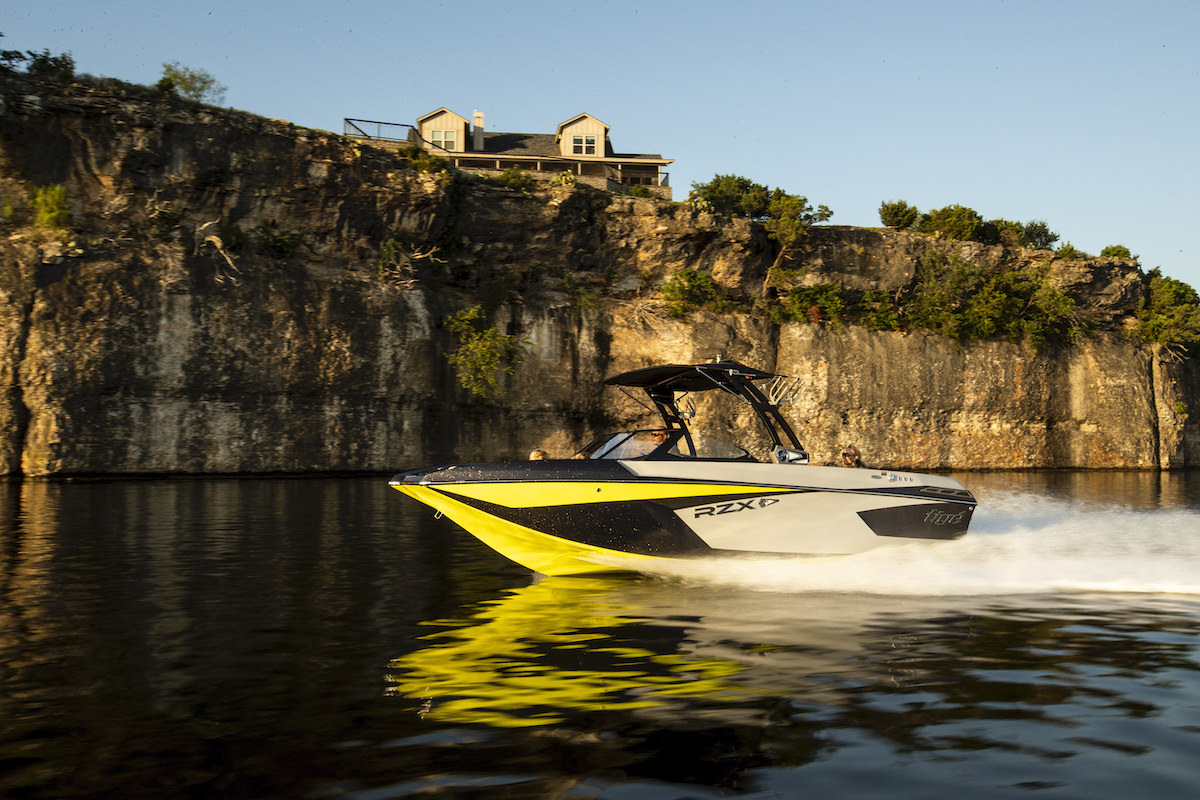 Tige Boat 23RZX Running Shot