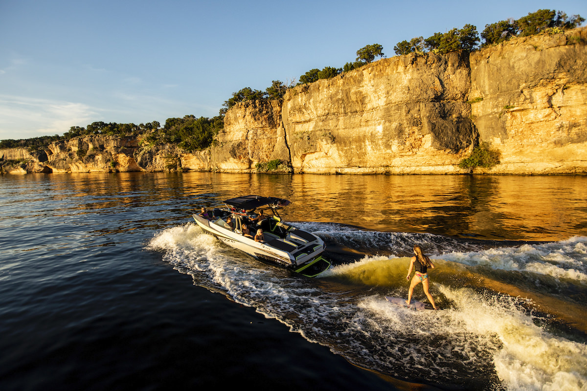 The Tige boat 23RZX is the definition of performance, luxury, versatility. It's fully loaded and fully featured.