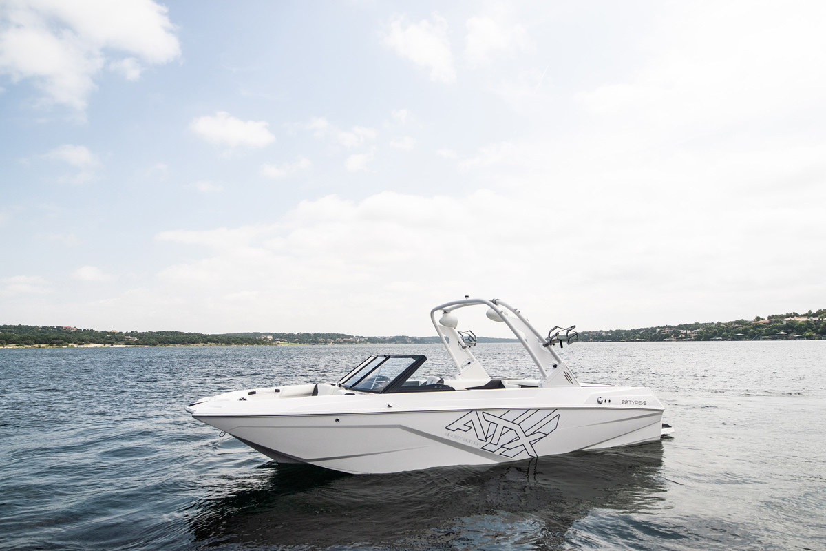 Tige Boat ATX22 Type-S is available on special edition like the Ghost edition