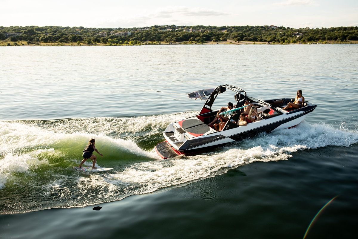 Tige Boat ATX22 type-s is super stylish even in the smallest details.