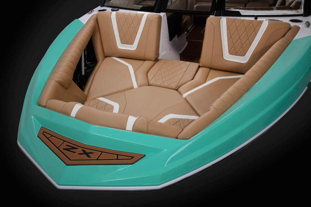 Tige Boat ZX21 has frontside seat that let you lay down and enjoy the best view.