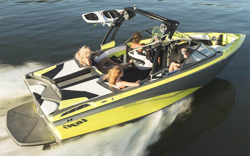 Tige Boat R21