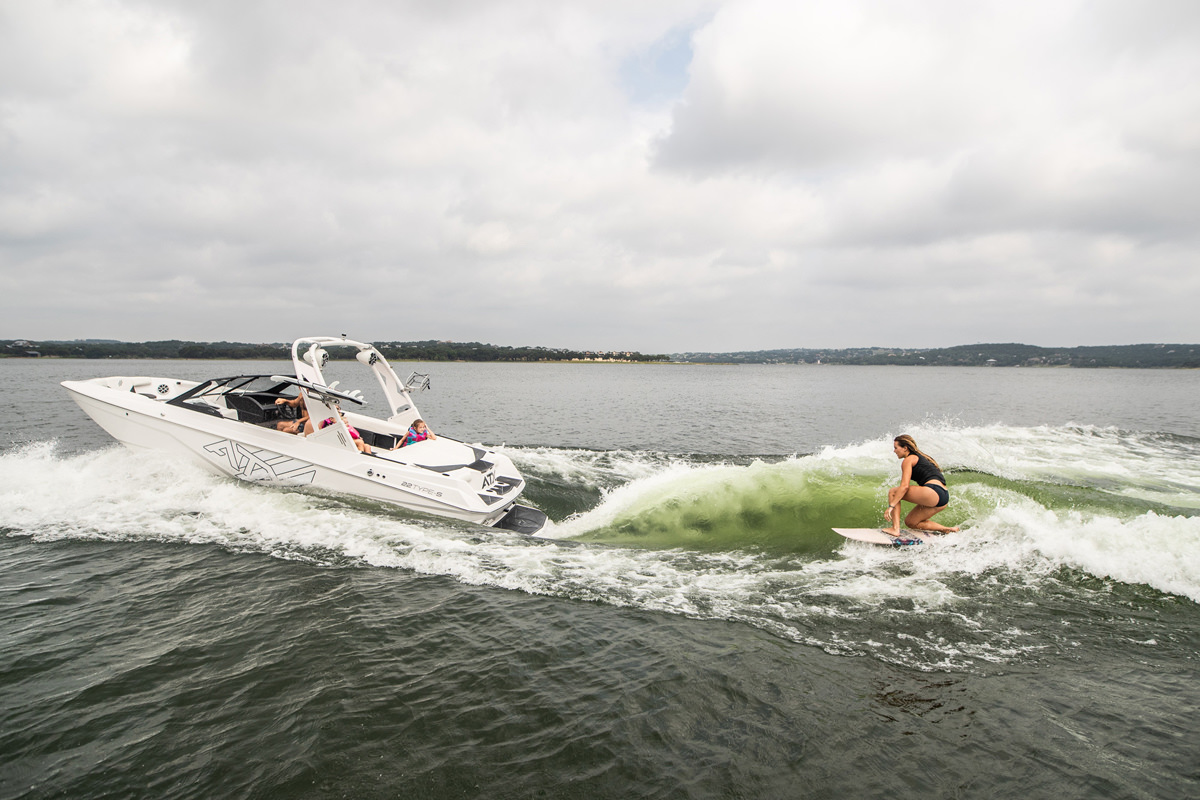 The Tige Boat ATX22 type-s let you do not only wakesurfing but also wakeboarding with a perfect suitable wave.