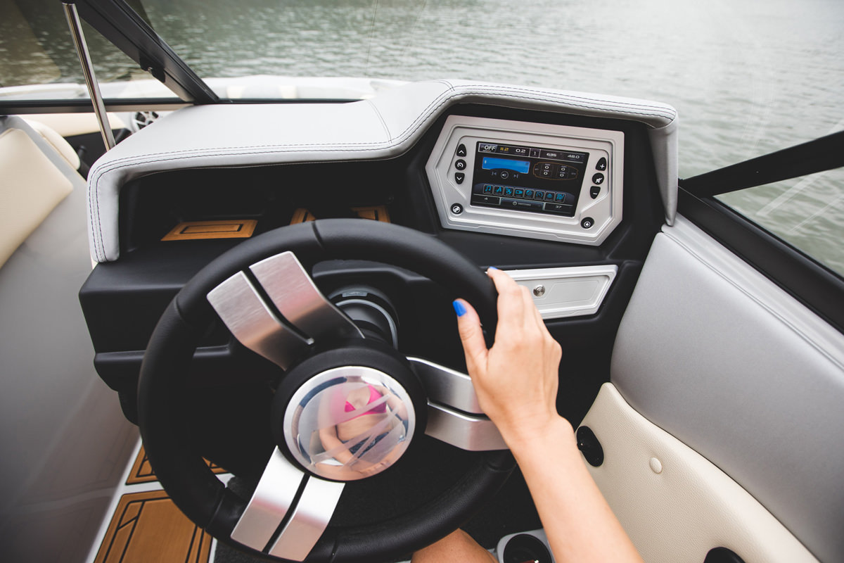 Tige R20 is equipped with the Touch 2 screen