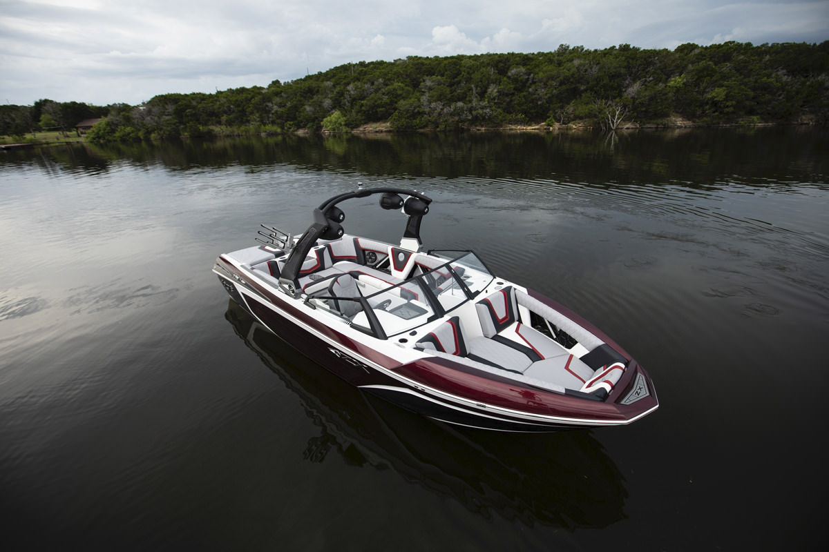 Tige Boat 25ZX is equipped with brand new assets